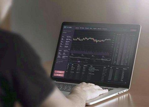 Очередная хакерская атака на криптовалютную биржу обрушила курс биткоина