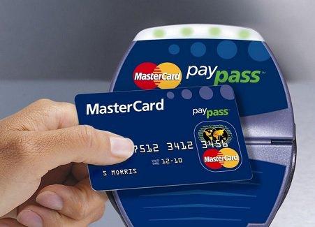 MasterCard будет облагать штрафом банки заотсутствие возможности бесконтактной оплаты