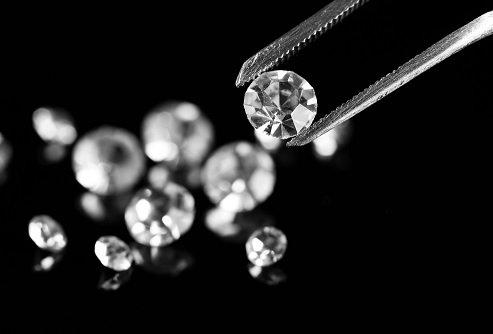 Русские бриллианты будут торговать через блокчейн