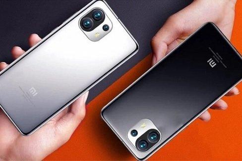 Новый флагман Xiaomi будет поставляться без адаптера