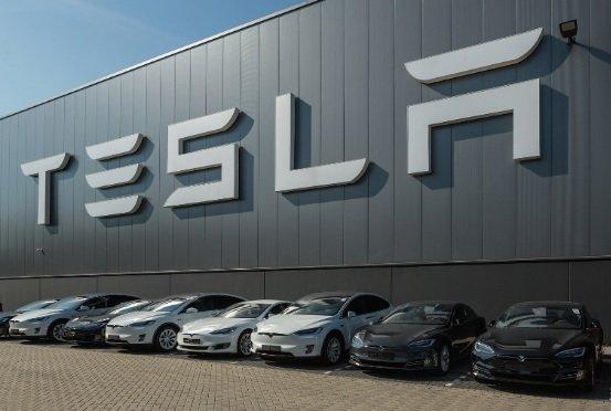 Tesla отчиталась о достижении заданных Маском производственных показателей