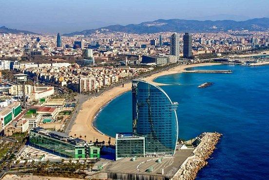 В Барселоне запретят сдавать квартиры туристам в краткосрочную аренду