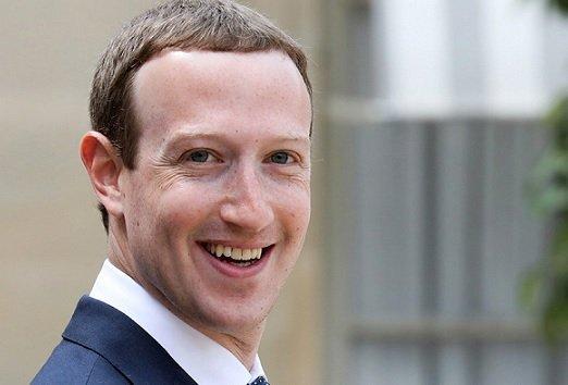 Facebook займется производством «умных» часов