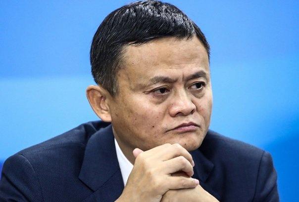 Во время конфликта с китайским правительством Ма несколько раз посещал Пекин