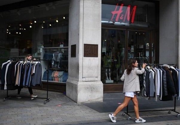 H&M начала предлагать британцам костюмы для собеседований на условиях аренды