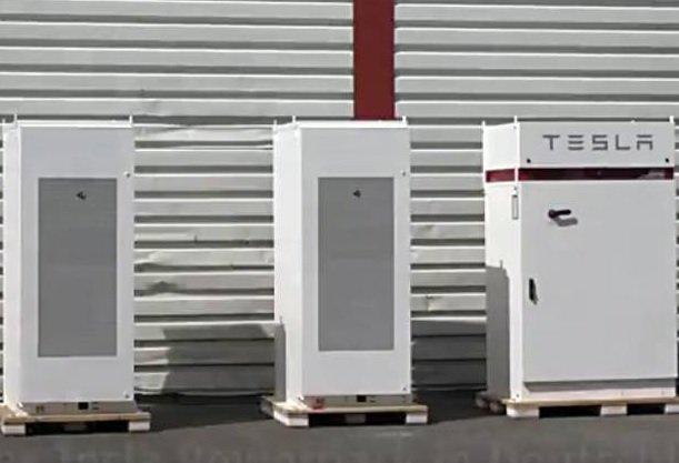Маск хочет оснастить своими энергохранилищами каждый дом