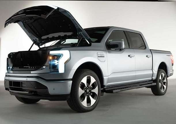 В течение пяти лет Ford планирует вложить в производство электрокаров 30 млрд USD