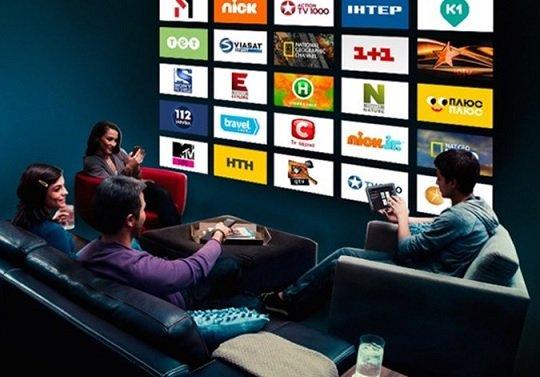 Онлайн-кинотеатры обяжут транслировать российские телеканалы