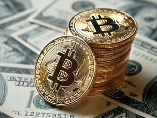 Как измениться курс биткоина к августу: мнение авторитетных экспертов