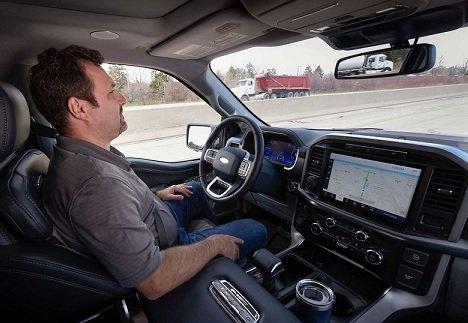 GM решила судиться с Ford из-за брендинга системы автопилотирования