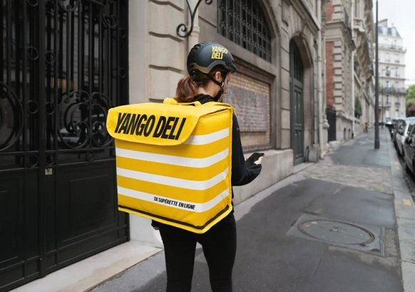 «Яндекс.Лавка» запустился в столице Франции