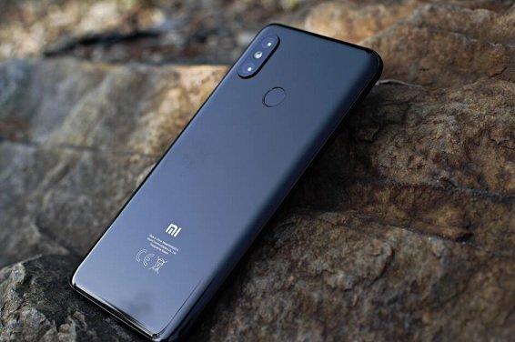 Жители Крыма начали жаловать на блокировку смартфонов компанией Xiaomi